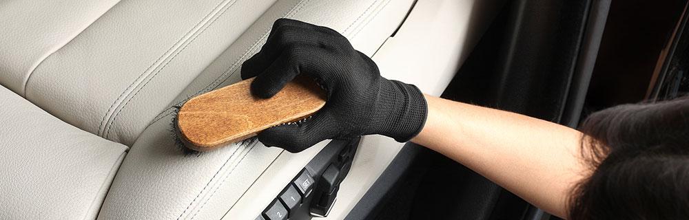 プロの車内クリーニング